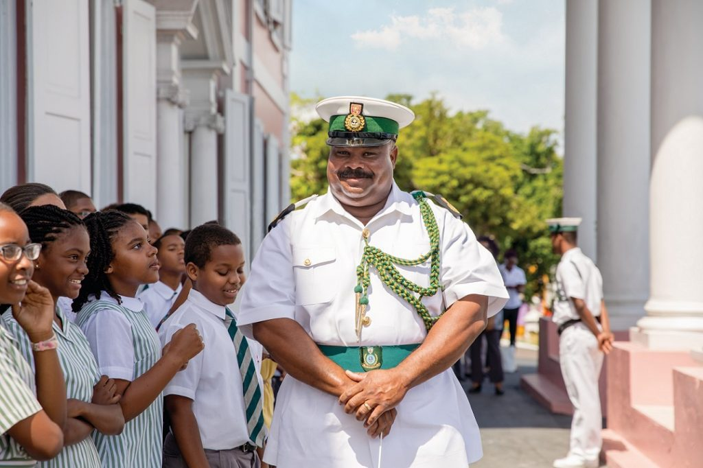 Bahamas: Guard