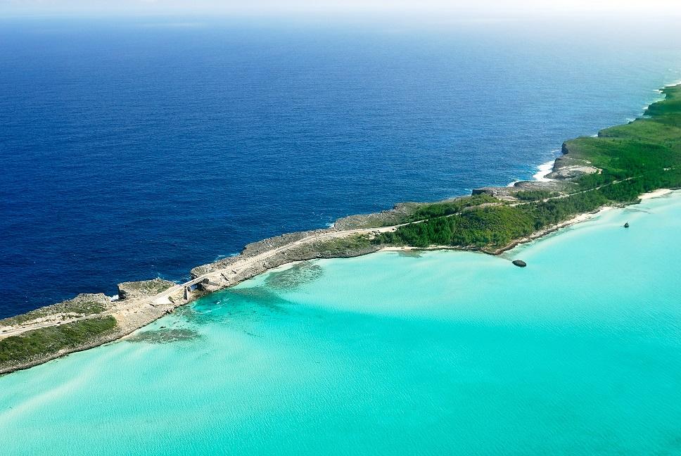 Bahamas: Glass Window Bridge